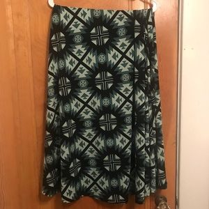 Green and black maxi skirt